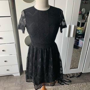 Beautiful lace dress size small